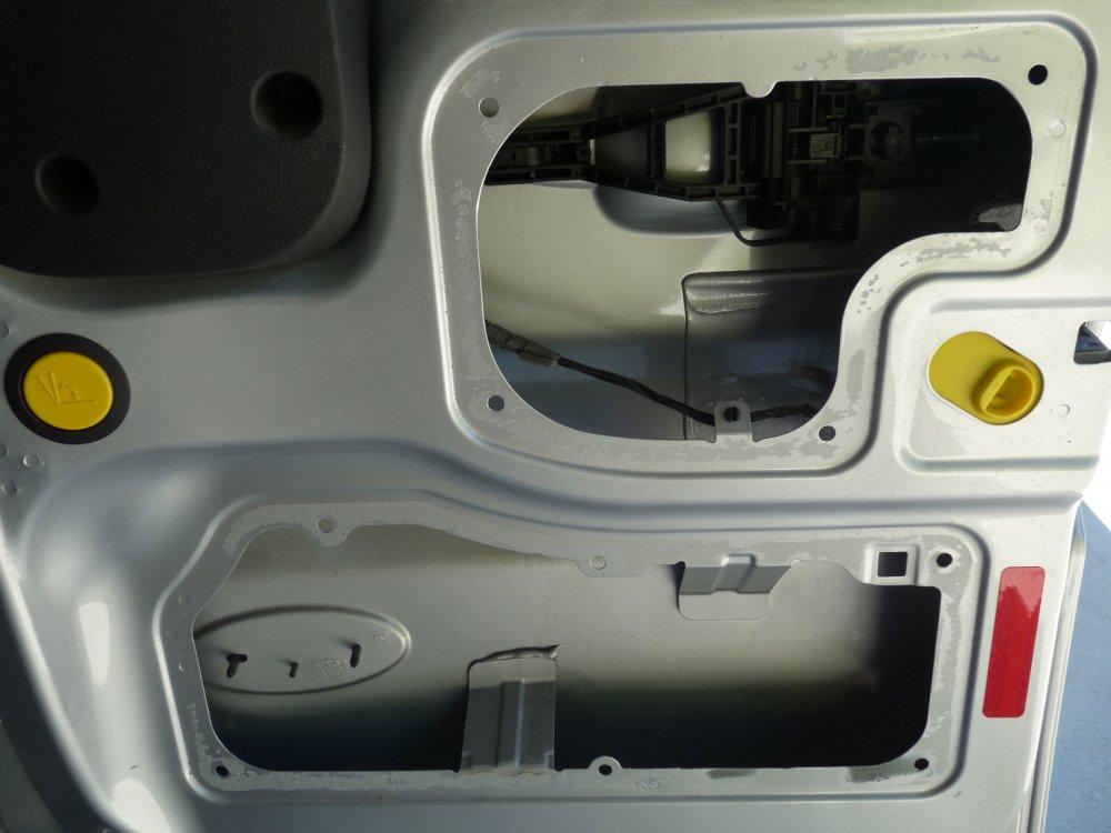 rear door right open.JPG